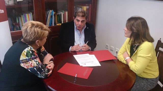 Firma del convenio UIM - EIPG