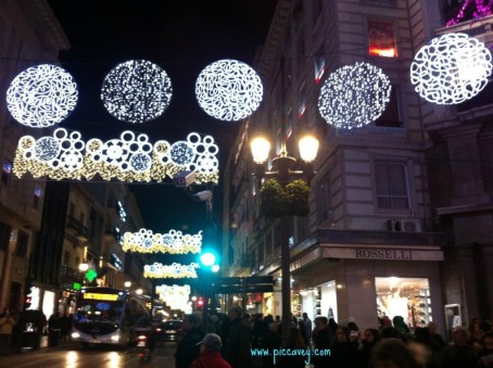 Christmas-in-granada-Lights-794x593